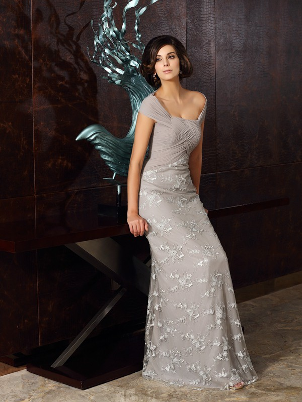 A-Line/Princess Off-the-Shoulder Sleeveless Chiffon Floor-Length Applique Gowns