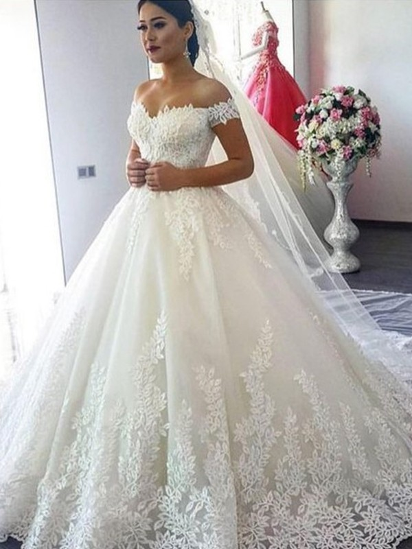 Ball Gown Off-the-Shoulder Sleeveless Lace Sweep/Brush Train Tulle Wedding Dresses