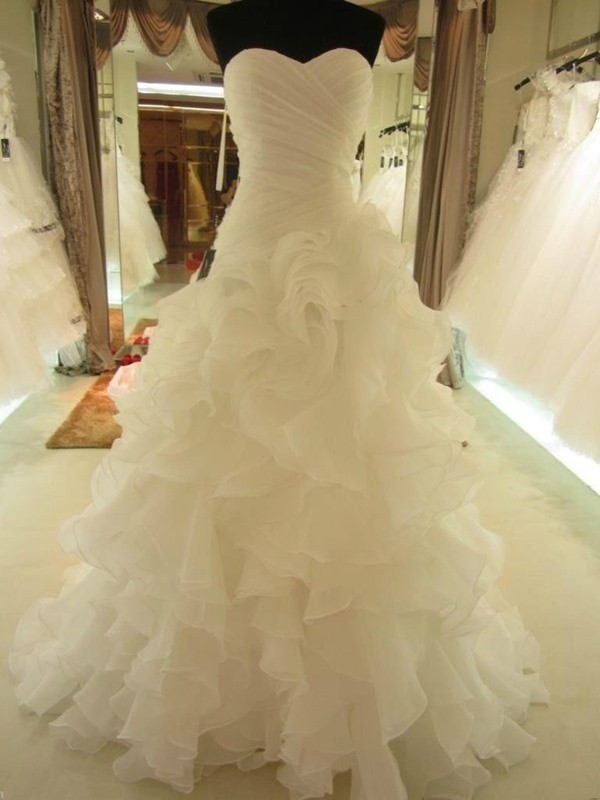 Ball Gown Ruffles Sweetheart Organza Court Train Wedding Dresses