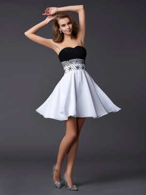 Sweetheart Sleeveless Beading Short/Mini Chiffon Cocktail Dress