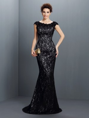 Trumpet/Mermaid Bateau Short Sleeves Lace Sweep/Brush Train Lace Gowns