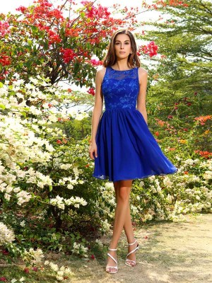 A-Line/Princess Bateau Sleeveless Knee-Length Applique Chiffon Bridesmaid Dress