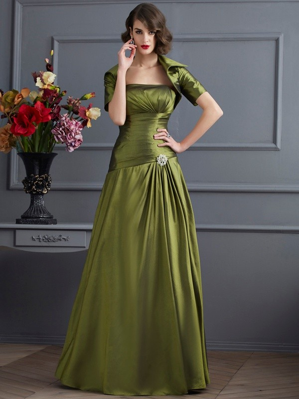 A-Line/Princess Strapless Pleats Floor-Length Taffeta Dresses