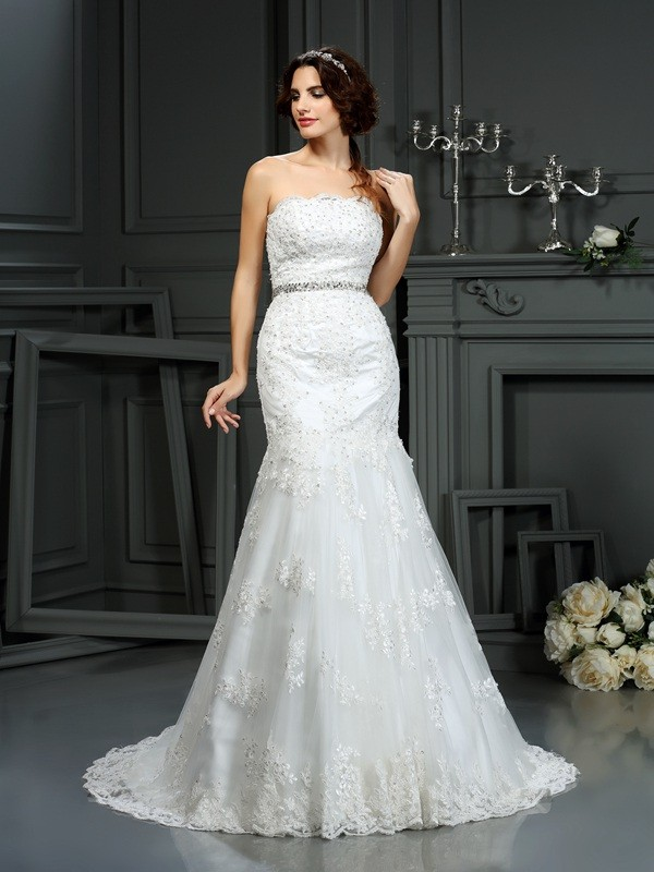 Trumpet/Mermaid Strapless Court Train Beading Lace Wedding Dresses