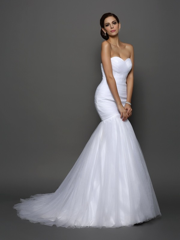 Trumpet/Mermaid Sweetheart Net Pleats Court Train Wedding Dresses
