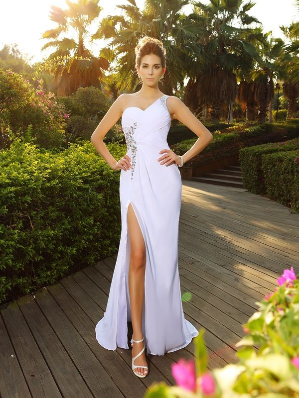 A-Line/Princess Beading One-Shoulder Court Train Chiffon Wedding Dresses