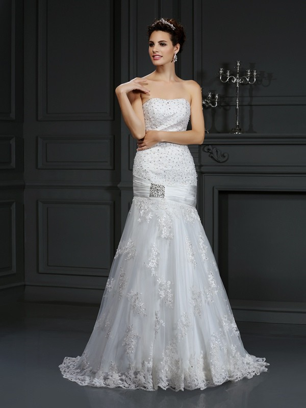 Sheath/Column Strapless Applique Court Train Satin Wedding Dresses