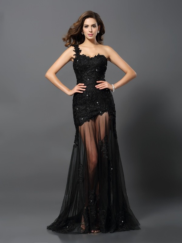 Sheath/Column Sleeveless One-Shoulder Lace Sweep Applique Dresses
