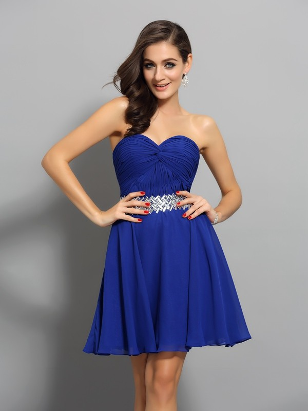 A-Line/Princess Chiffon Sleeveless Short/Mini Sweetheart Beading Gowns