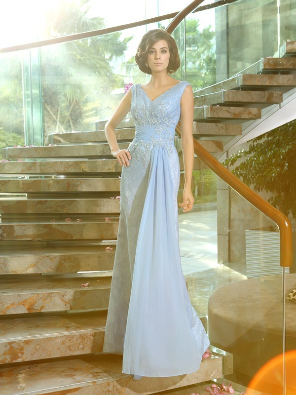 Sheath/Column V-neck Lace Beading Applique Floor-Length Mother of the Bride Dresses