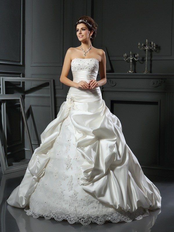 Ball Gown Sweetheart Satin Applique Court Train Beading Wedding Dresses
