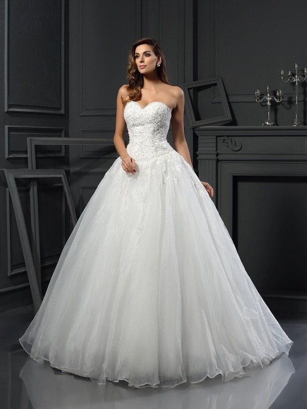 Ball Gown Sweetheart Beading Court Train Tulle Wedding Dresses