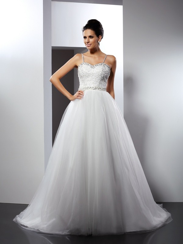 A-Line/Princess Spaghetti Straps Beading Chapel Train Tulle Wedding Dresses