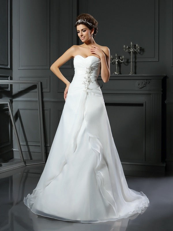 A-Line/Princess Sweetheart Ruched Chapel Train Satin Wedding Dresses