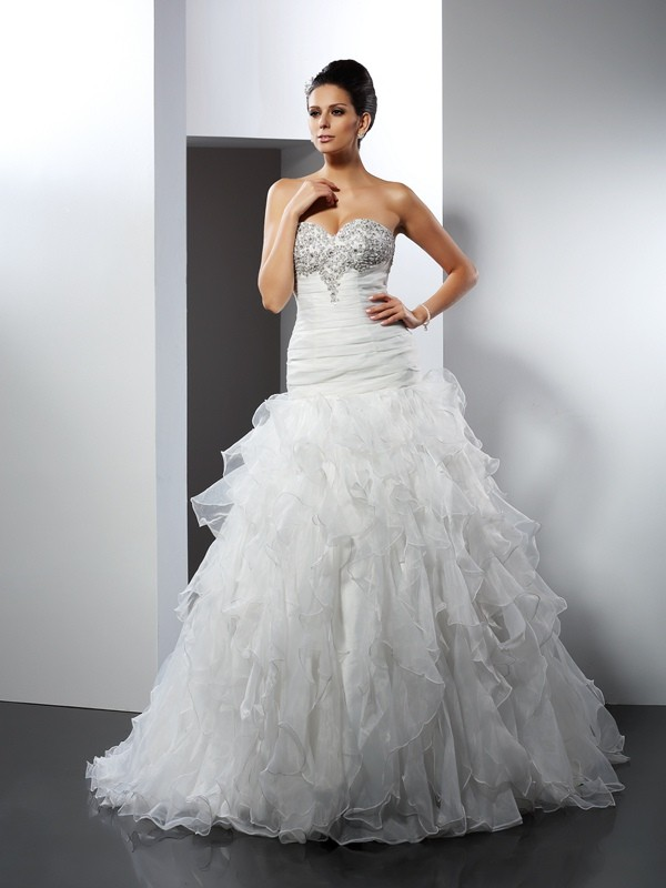 Ball Gown Sweetheart Ruffles Court Train Tulle Wedding Dresses