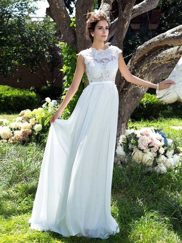 A-Line/Princess Sleeveless Scoop Applique Chiffon Sweep/Brush Train Dress