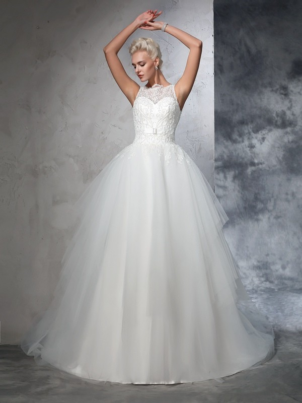 Ball Gown Sleeveless Bateau Net Applique Chapel Train Bridal Wedding Dresses
