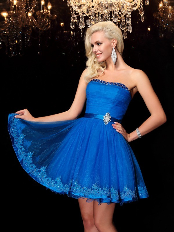 A-line/Princess Strapless Sleeveless Beading Short Net Dresses
