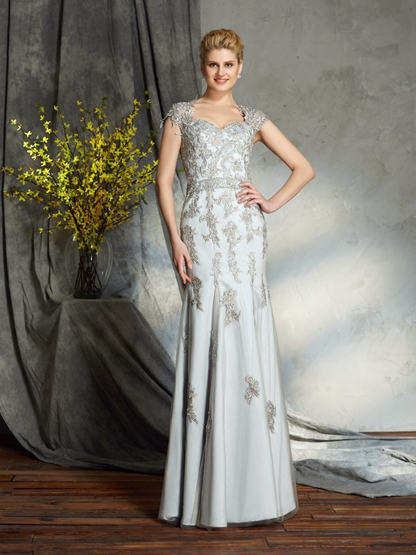 Sheath/Column Sweetheart Sleeveless Satin Floor-Length Mother of the Groom Dress