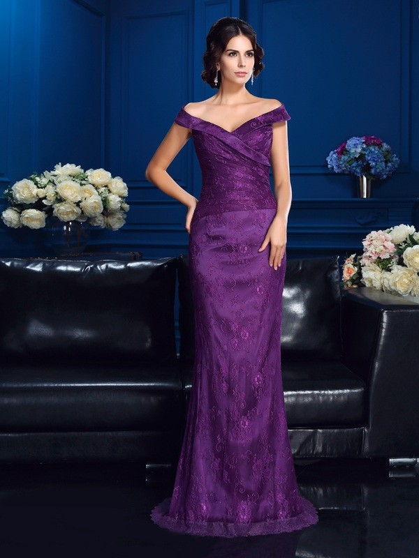 Sheath/Column Off-the-Shoulder Sleeveless Sweep/Brush Train Lace Mother Dresses
