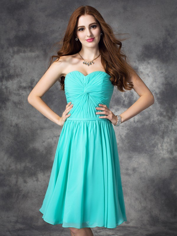 A-line/Princess Sweetheart Sleeveless Knee-Length Chiffon Dresses