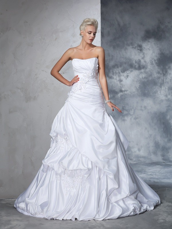 Ball Gown Sleeveless Strapless Satin Applique Chapel Train Bridal Wedding Dresses