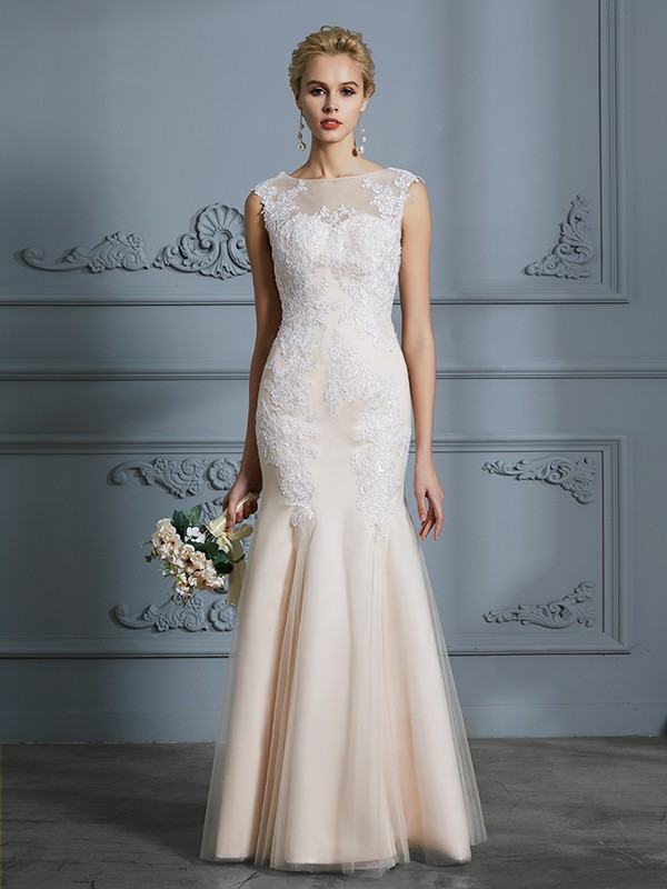 Trumpet/Mermaid Scoop Sleeveless Floor-Length Tulle Applique Wedding Dresses