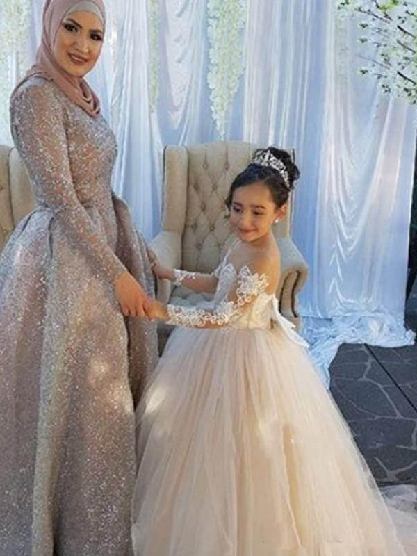 Ball Gown Off-the-Shoulder Long Sleeves Sweep/Brush Train Applique Tulle Flower Girl Dresses
