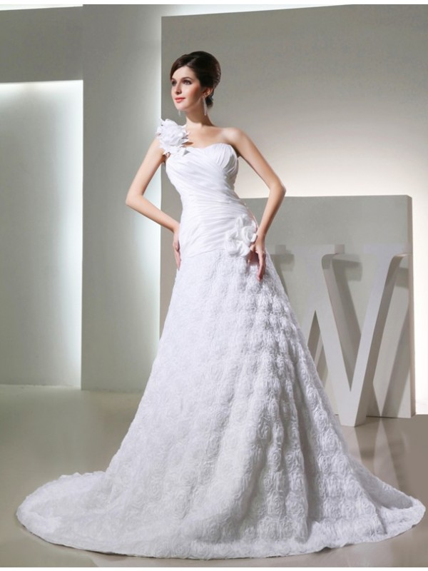 A-Line/Princess One-shoulder Sleeveless Taffeta Hand-made Flowers Long Wedding Dresses
