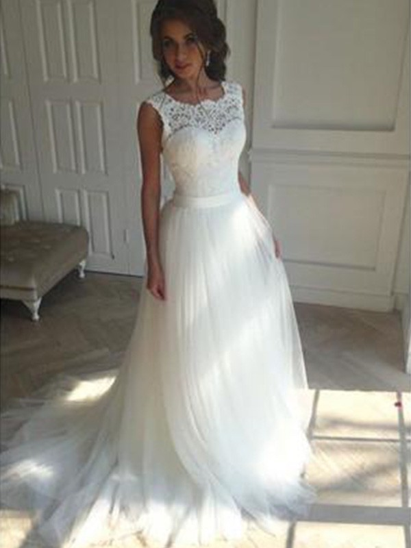 A-Line/Princess Sleeveless Square Court Train Tulle Wedding Dresses