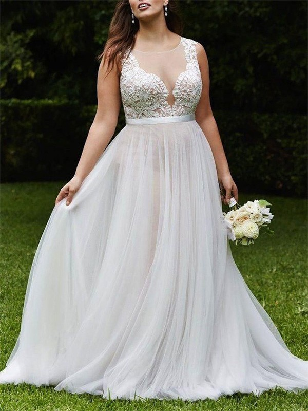 A-Line/Princess Scoop Sleeveless Court Train Lace Tulle Wedding Dresses