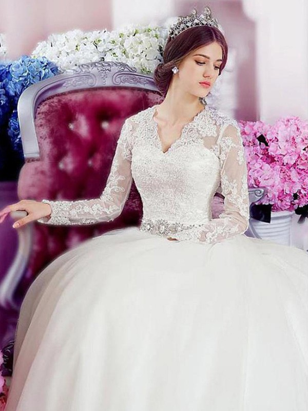 A-Line/Princess V-neck Long Sleeves Cathedral Train Applique Lace Tulle Wedding Dresses