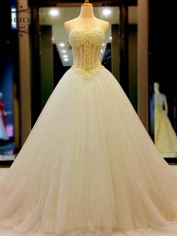 Ball Gown Sweetheart Court Train Sleeveless Tulle Beading Wedding Dresses