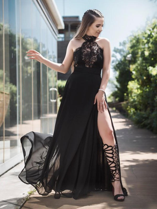 A-Line/Princess Halter Sleeveless Lace Floor-Length Tulle Dresses