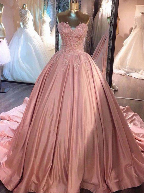 Ball Gown Sweetheart Sleeveless Lace Court Train Satin Dresses