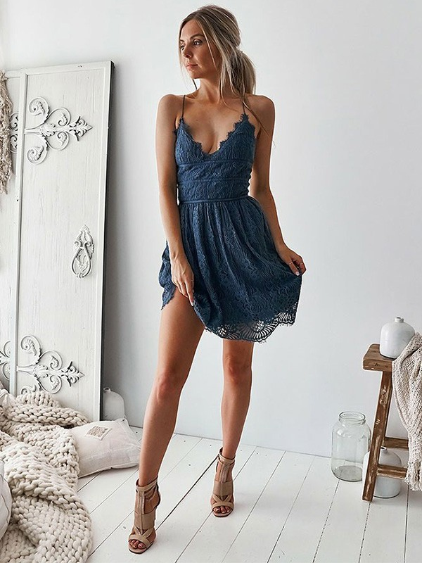 A-Line/Princess Lace Ruffles V-neck Sleeveless Short/Mini Homecoming Dresses