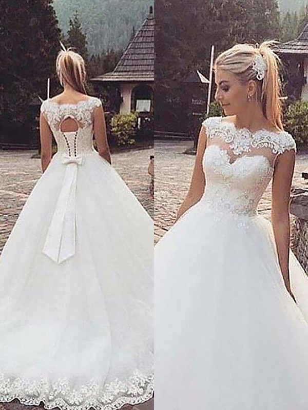 Ball Gown Sleeveless Bateau Lace Tulle Court Train Wedding Dresses