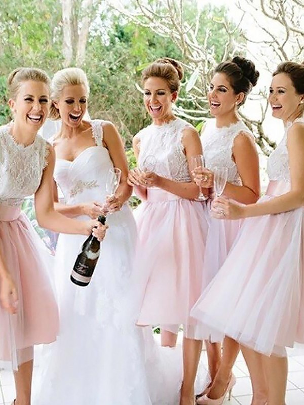 A-Line Scoop Sleeveless Tulle Knee-Length Bridesmaid Dresses