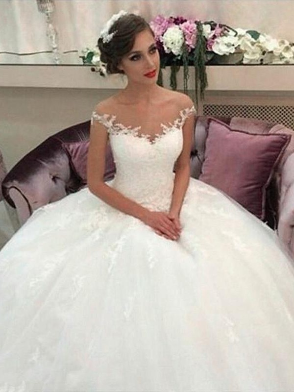Ball Gown Off-the-Shoulder Court Train Sleeveless Tulle Wedding Dresses