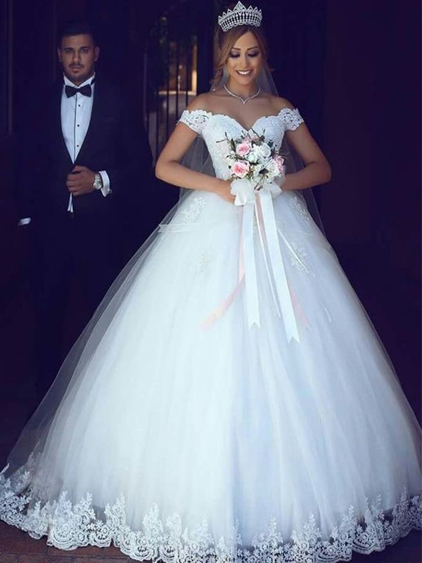 Ball Gown Off-the-Shoulder Tulle Sleeveless Lace Floor-Length Wedding Dresses