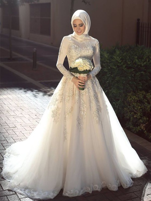 Ball Gown Jewel Long Sleeves Tulle Applique Sweep/Brush Train Wedding Dresses