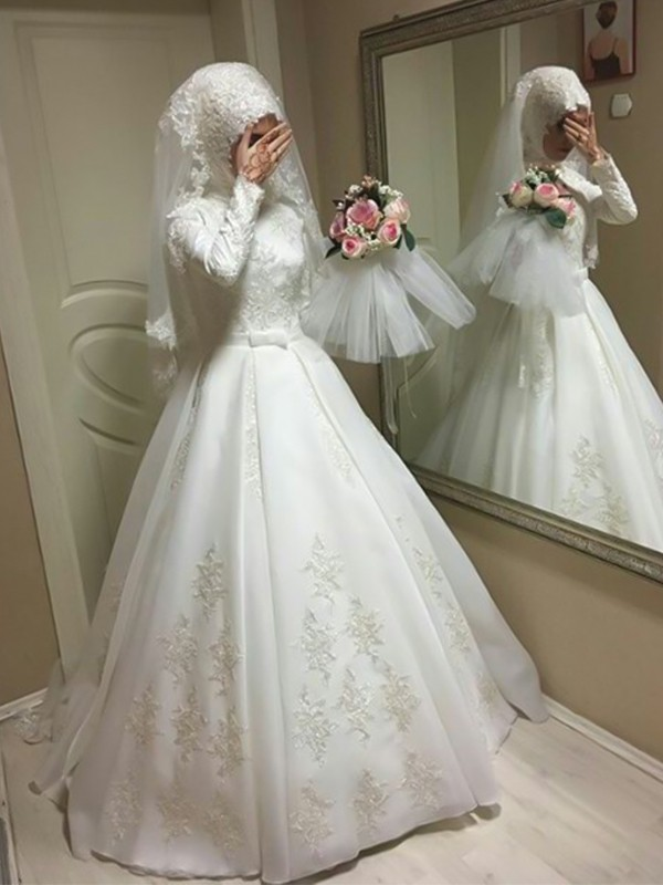 Ball Gown Jewel Floor-Length Long Sleeves Tulle Wedding Dresses